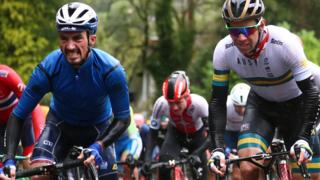 Julian Alaphilippe of France and Michael Matthews of Australia in the men's road race at the 2019 Road World Championships in Yorkshire