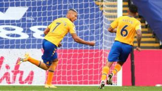 Richarlison restores Everton's lead