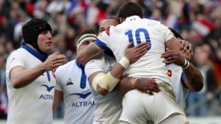 France celebrate their opening try