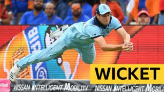 Chris Woakes' stunning catch