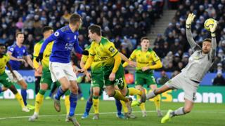 Jamie Vardy heads towards goal