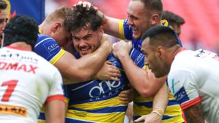 Warrington try