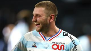 Finn Russell in action for Racing 92