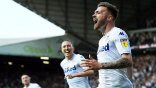 Stuart Dallas celebrates