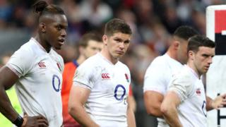 Maro Itoje, Owen Farrell and George Ford look dejected