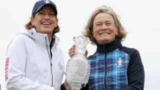 Team USA Captain Juli Inkster and Team Europe Captain Catriona Matthew