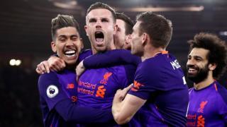 Henderson celebrates