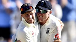 Joe Root and Dom Bess