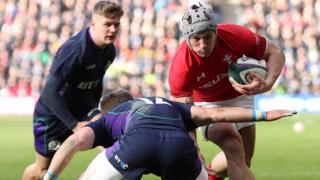 Jonathan Davies scores a try
