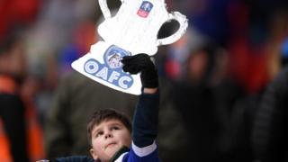 Oldham fan