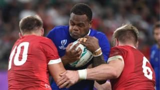 Wales try to stop France's Vakatawa