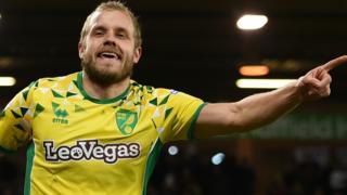 Teemu Pukki celebrates for Norwich