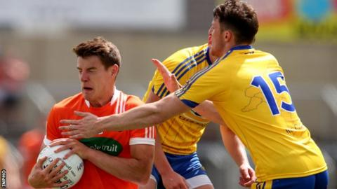 Armagh's Niall Grimley in action against Diarmuid Murtagh of Roscommon at Portlaoise