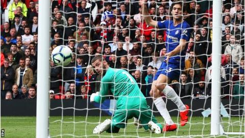 9774aae52 Manchester United 1-1 Chelsea  David de Gea error gifts visitors a ...