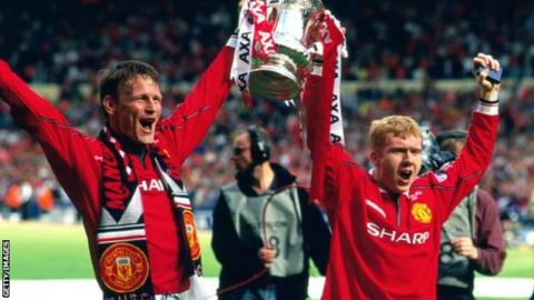 Paul Scholes and Teddy Sheringham
