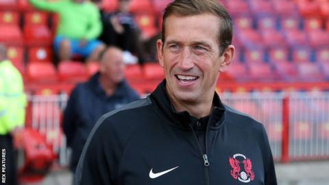 Leyton Orient boss Justin Edinburgh on the sidelines