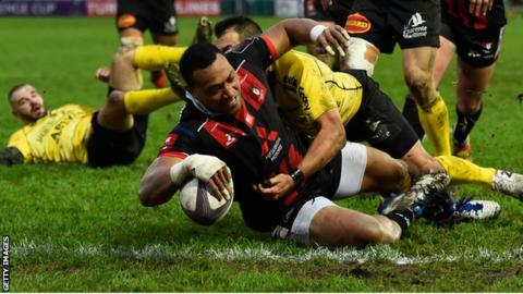 Gloucester wing David Halaifonua goes over for a disallowed try