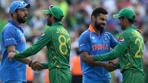 India and Pakistan players shake hands