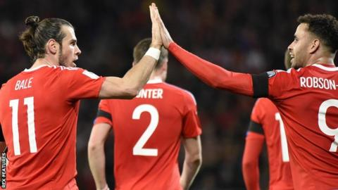 Wales' Gareth Bale and Hal Robson-Kanu