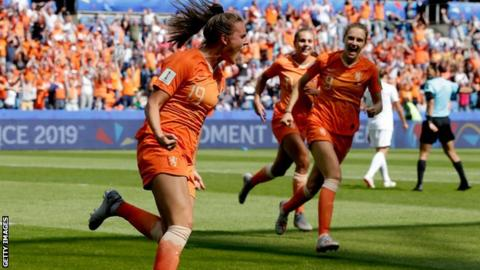 Jill Roord celebrates scoring an injury-time winner for the Netherlands against New Zealand