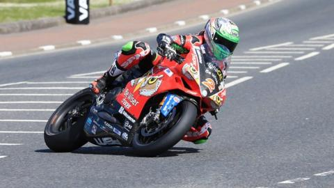 Glenn Irwin pipped fellow Carrickfergus rider Alastair Seeley in last year's feature Superbike race at the meeting