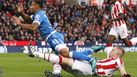 Callum Wilson fouled by Ryan Shawcross