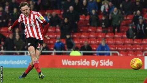 Aiden McGeady equalises for Sunderland against Accrington
