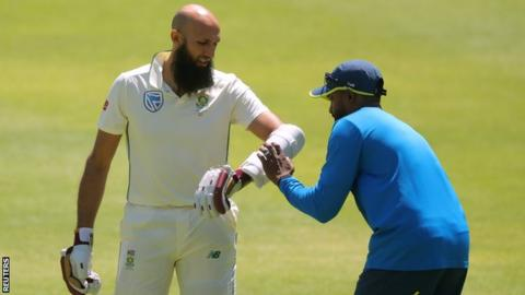 Hashim Amla and the South Africa physio