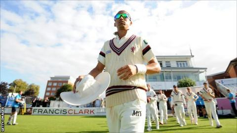Alfonso Thomas takes to the pitch before his final appearance for Somerset