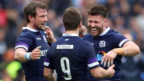 Highlights: Italy 27-29 Scotland