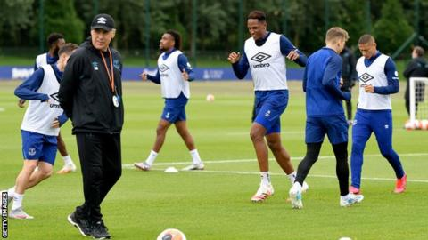 Everton manager Carlo Ancelotti oversees a training session