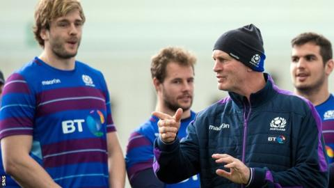 Vern Cotter oversees Scotland training