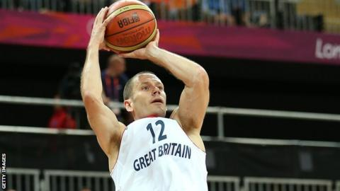 Nate Reinking of Great Britain