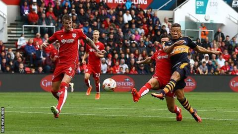 Dwight Gayle scores for Newcastle