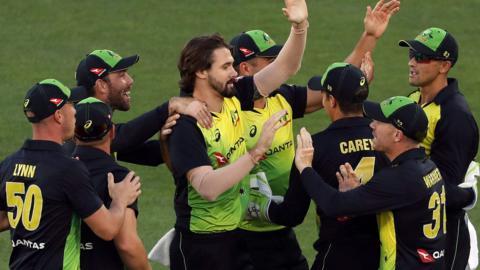 Australia celebrate in Auckland