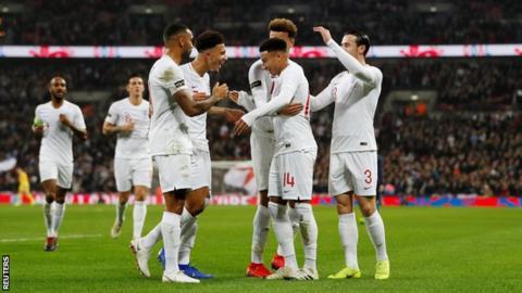 England players celebrate Jesse Lingard's goal against USA