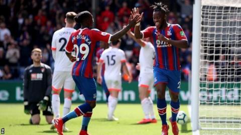 Michy Batshuayi celebrates goal