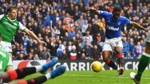 Jermain Defoe scores for Rangers