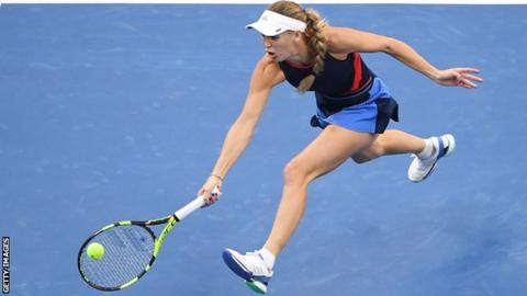 Wozniacki wins second China Open title; Del Potro stumbles