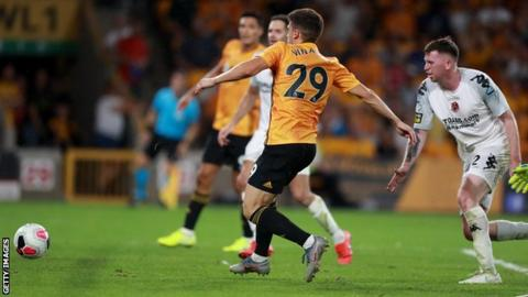 Vinagre scores Wolves' second