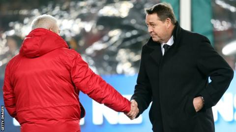 Warren Gatland and Steve Hansen shake hands before the first Test