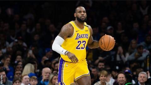 LeBron James surpasses Kobe Bryant in NBA's all-time scoring list