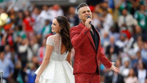 Russian soprano Aida Garifullina and British singer Robbie Williams