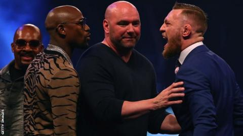 Dana White (centre) hoped to keep tickets out of the hands of brokers
