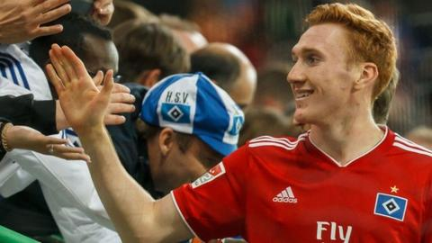 David Bates for Hamburg