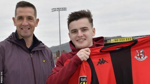 Ronan Hale: Striker join St Patrick's Athletic from Crusaders