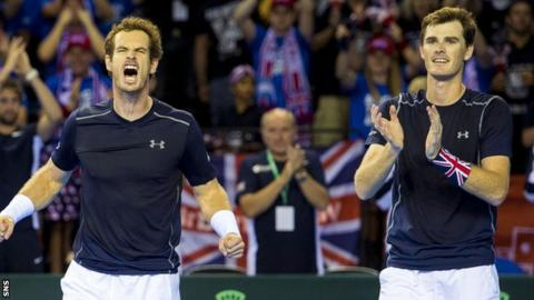 Andy Murray (left) and Jamie Murray
