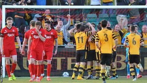 Truro City v Maidstone United