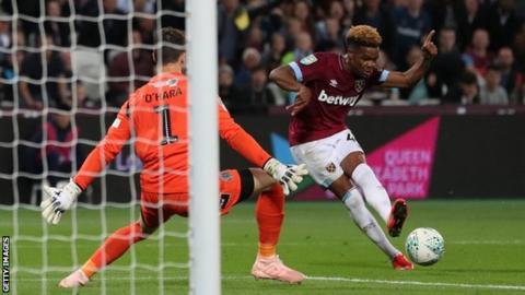 Grady Diangana scores his second goal