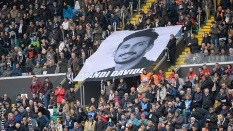Udinese and Fiorentina fans shows a banner in honour of Davide Astori during their Serie A match at Stadio Friuli